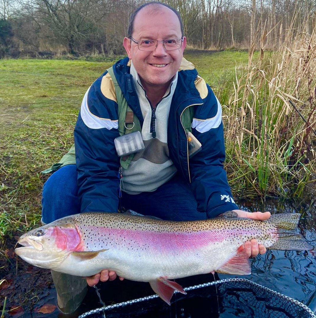 17LB + TROUT AT KINROSS TROUT FISHERY PERTHSHIRE GARRY HUNTER